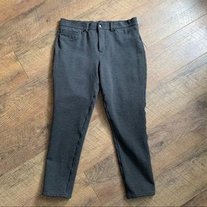 🖤Spanx The Slim-X Ponte Super Skinny Short Pants